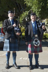 1a Two bagpipers D7K_3819
